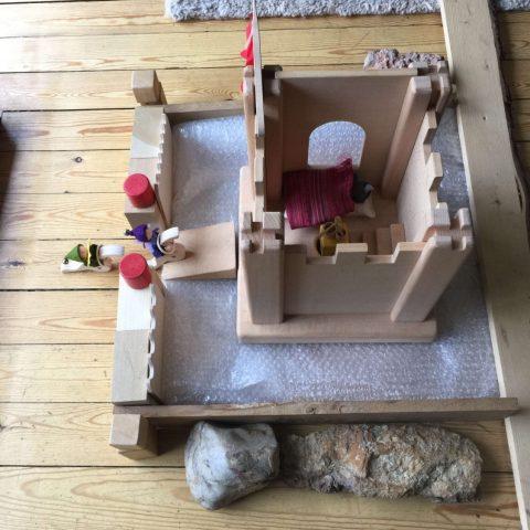 Speelbelovend speelgoed in gebruik