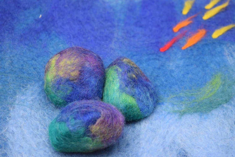 Vilten keien blauw-paars_groen van het huis van Pluis