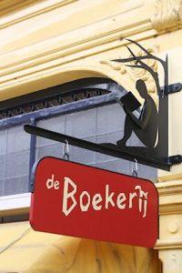 logo van de Boekerij (uithangbord aan de speelgoed-, kinderboekenwinkel)